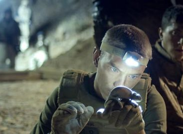 """Movie Review: Soldiers defied by humanitarian values and madness in """"Neither Heaven, Nor Earth"""""""