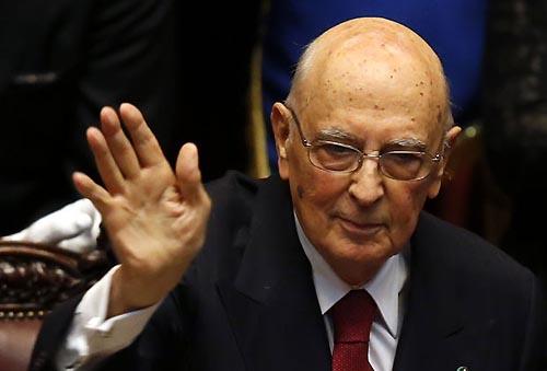 presidente italia renuncia
